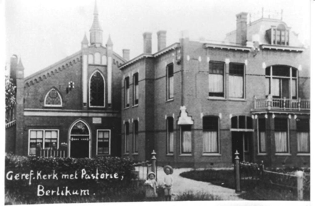 Voormalige Gereformeerde kerk en pastorie Wiersterdyk